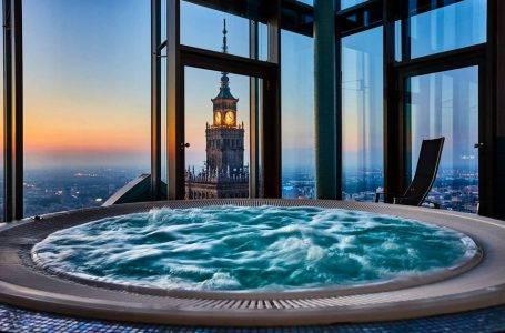 A może zdjęcie na dachu Warszawy?